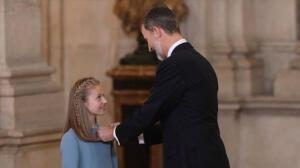 En imágenes: el Rey impone el Collar de la Insigne Orden del Toisón de Oro a la Princesa