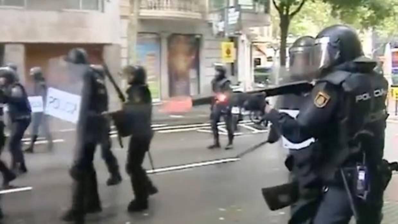 Polémico spot electoral de la marca blanca de ERC utilizando el himno de España y las cargas del 1-O