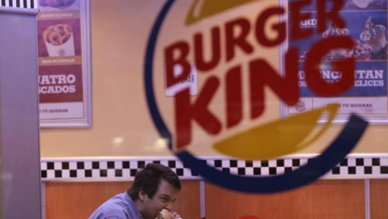 Los peculiares requisitos que pide Burger King a sus repartidores a domicilio