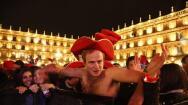 Salamanca vive su Nochevieja universitaria, en imágenes