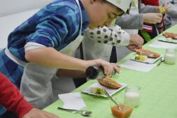 Más de 300 escolares de Castilla-La Mancha «Desayunan con Imaginación» en la Escuela de Hostelería de Toledo