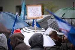 La Policía francesa protesta por la violencia de los manifestantes contrarios a la reforma laboral