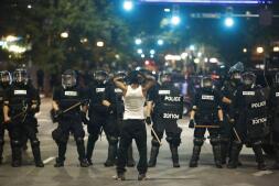 Los disturbios raciales inundan las calles de Charlotte