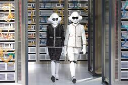 El desfile más futurista de Chanel