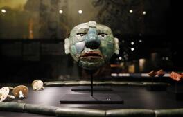 En imágenes: el MARQ de Alicante desvela 'El enigma de las ciudades perdidas' de los mayas