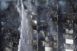 En imágenes: Un incendio devora un edificio en Londres