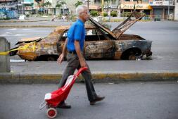 En imágenes: disturbios y represión en la huelga general de Venezuela