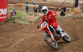 La espectacularidad de las pruebas de motocross, en imágenes
