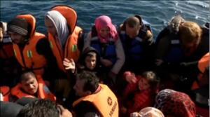 La Guardia Costera griega rescata en Lesbos a más de 1.500 refugiados en 24 horas