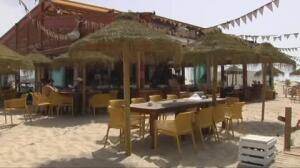 El levante arruina la economía estival en las playas de Cádiz