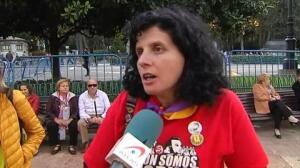 Diferentes colectivos protestan contra la ceremonia de entrega de los Premios Princesa de Asturias