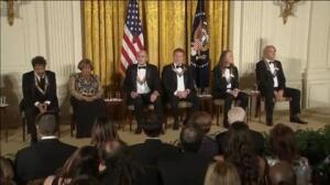 Obama estrega las medallas del Centro Kennedy por última ocasión