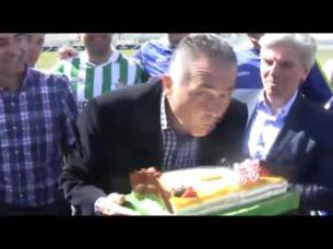 Una tarta para Gordillo en su 55 cumpleaños