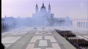 Los reyes reciben a Macri en el Palacio Real con los máximos honores