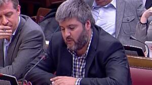 Martí, senador de ERC, le pregunta a Cospedal si va a haber una intervención militar en Cataluña para poner fin al proceso independentista