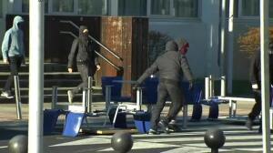 Encapuchados realizan piquetes en el campus de Leioa