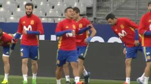 'La Roja' ya pisa el césped del Stade de France