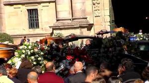 Multitudinaria despedida a los tres marineros fallecidos en la Ría de Pontevedra