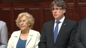 Encuentro entre Carmena y Puigdemont en el Ayuntamiento de Madrid