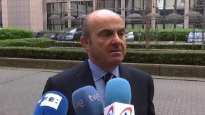 """De Guindos: """"El Gobierno no va a dejar nunca que Cataluña salga de la zona euro"""""""
