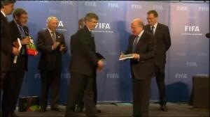 Villar deja la FIFA y la UEFA