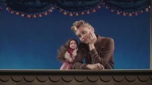 Miley Cyrus estrena nuevo videoclip, 'Younger now'