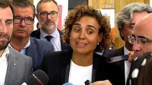 Dolors Monserrat visita uno de los hospitales junto con el ministro de Exteriores francés