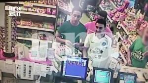 La cámara de una gasolinera grabó a los terroristas antes de atacar