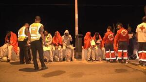 Once migrantes llegan y otros once tratan de escapar de Ceuta