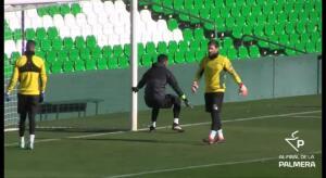 Adán vuelve a entrenarse junto a sus compañeros y no peligra su participación ante el Barcelona