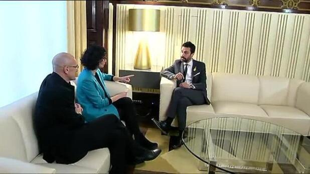 Puigdemont cree posible gobernar desde Bruselas, pero no desde prisión