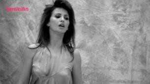 Mónica Cruz, sensual y sincera para 'Women's Health'
