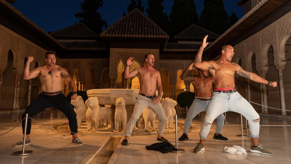 La espectacular Haka de los All Blacks en el Patio de los Leones de la Alhambra